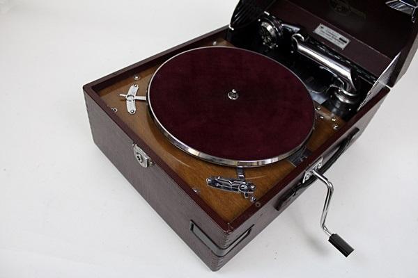 コロムビア ポータブル蓄音機 グラフォノーラ G-241