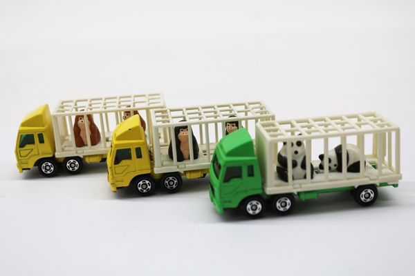トミカ 三菱ふそう トラック 動物運搬車シリーズ