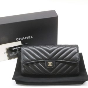 CHANEL シャネル シェブロン 二つ折り 長財布 ブラック Vステッチ カーフスキン 30番台 クラシック フラップ ロングウォレット